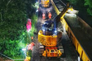 JCB JZ140 Rail Modified Working at Night